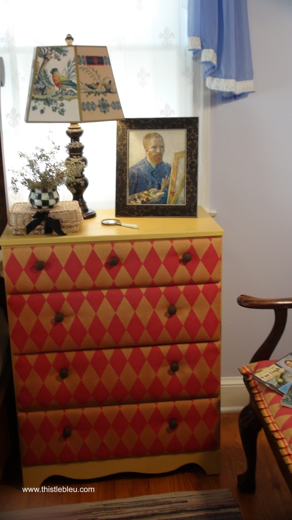 Dresser in Aryles with fabric padded drawers